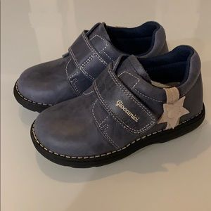 New Velcro toddler shoes size little kids 10